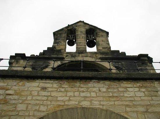 Pont Saint-Bénézet (Pont d'Avignon) : 橋上のChapelle saint Nicolas の鐘