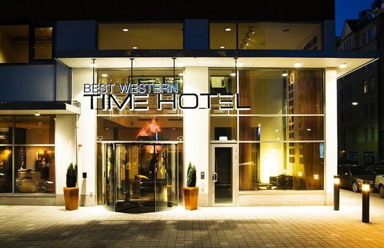 Best Western Plus Time Hotel: Hotel Entrance