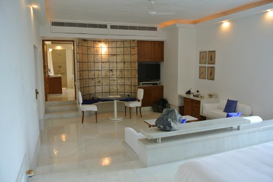 RAAS Devigarh: Palace room