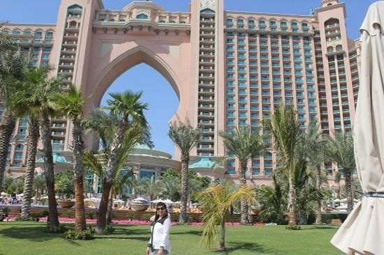Atlantis, The Palm : the view from the beach