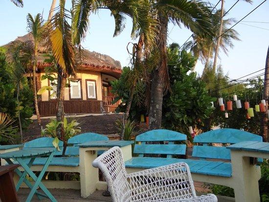 Phra Nang Inn : sit-out next to the beach