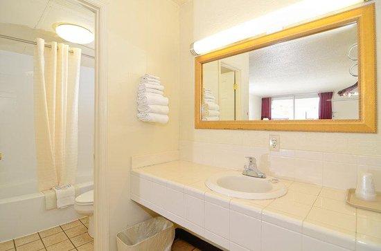 Alcoa Inn: Suite Rooms