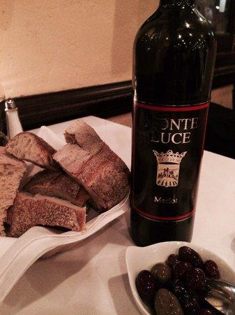 Limoncello: Bread, wine & olives