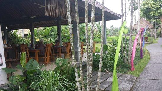 Saren Indah Hotel: Dining room