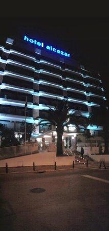 Alcazar Hotel & SPA: Visão do hotel a noite