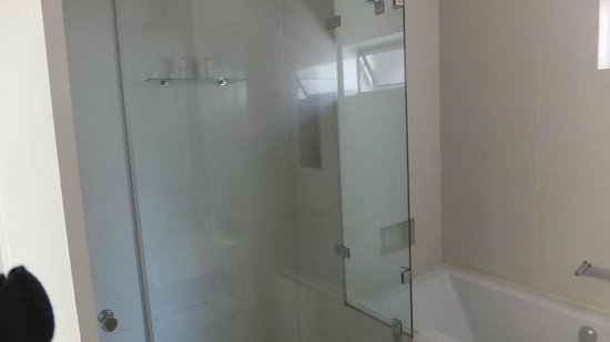 Atlantic Affair Boutique Hotel: Luxury Superior Suite - Walk in shower