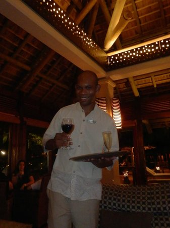 Heritage Awali Golf & Spa Resort : Always had our drinks ready - and always smiling