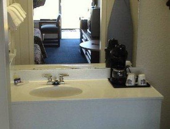 Budget Inn Express Bristol: Bathroom