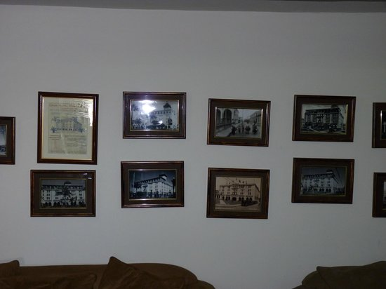 Gran Hotel Costa Rica: The foyer pictures that need realigning!