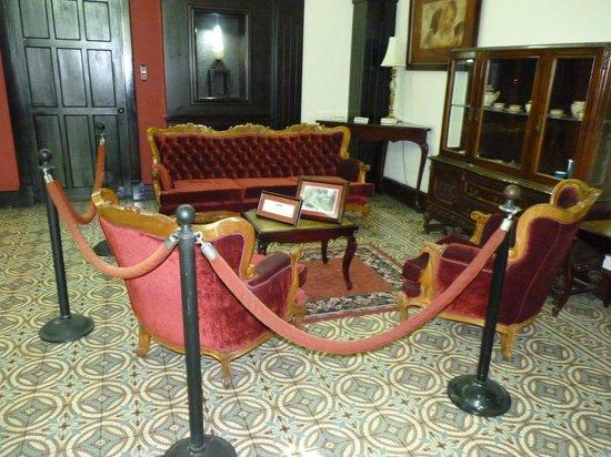 Gran Hotel Costa Rica: The Kennedy Furniture in the foyer