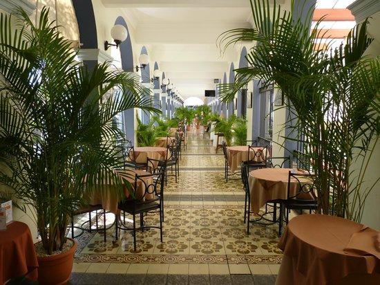 Gran Hotel Costa Rica: The covered terrace