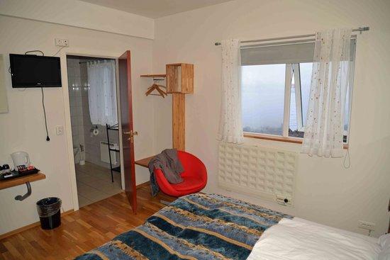 Hotel Framnes: room 107