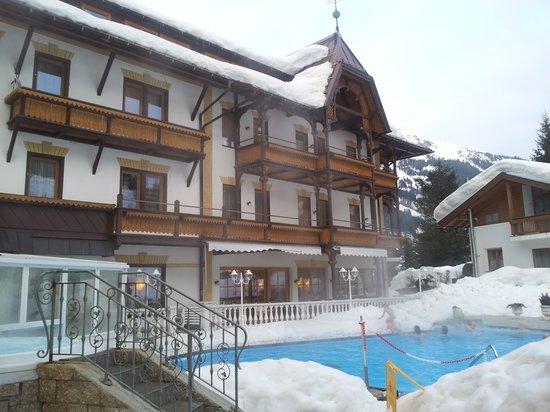 Hotel Sonklarhof: piscina esterna