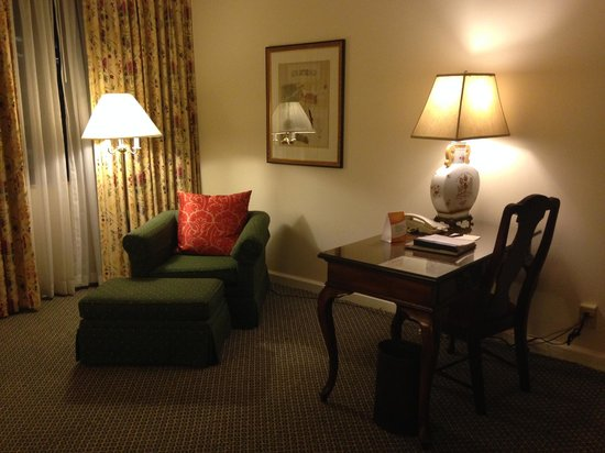 The Adolphus : Executive Suite desk&reading corner