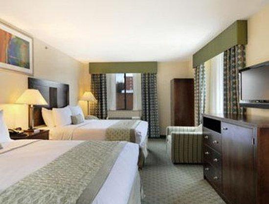 Ramada Jamaica/Queens : Standard Two Double Bed Room