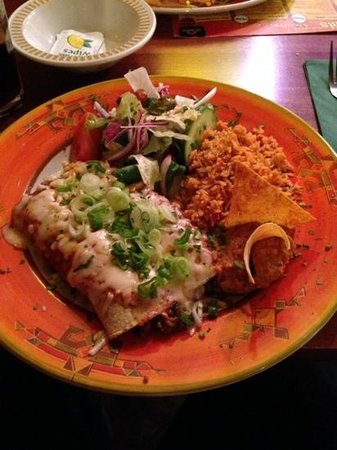 Los Amigos Mexican Cantina: The tortilla chips and rice were stale