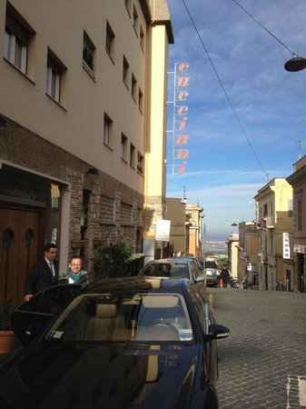 Hotel Cacciani: the street view