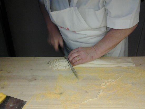 Locanda Acquasanta: strangozzi fatti a mano farina km. 0 del Comune di Gubbio