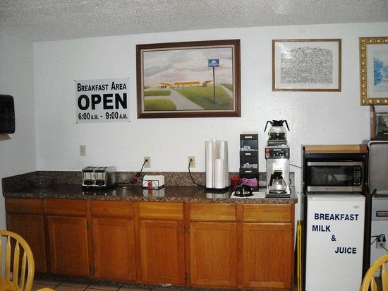 Americas Best Value Inn - Bonham: Breakfast Area