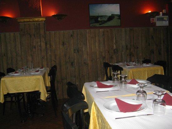 O Arco: Salle du restaurant