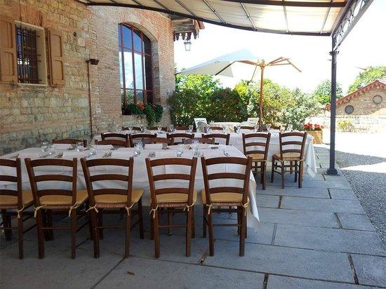 Regnano, Italia: Esterno