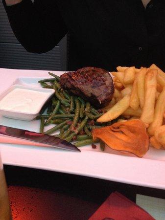 Clocktower American Bar & Grill: Porterhouse steak