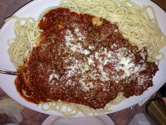 Stacy Lee's Family Restaurant : Pasta with meat sauce