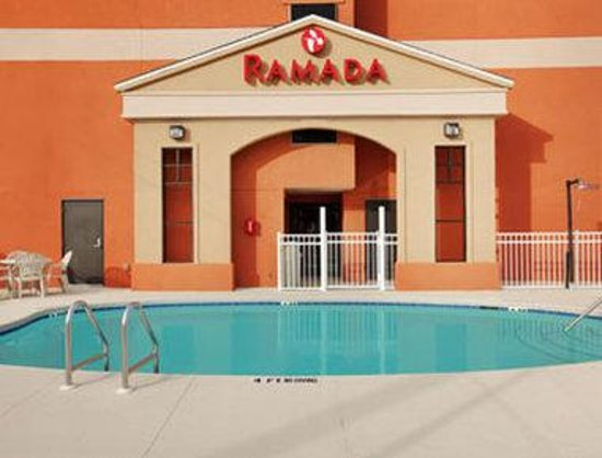 رمادا بنما سيتي: Pool