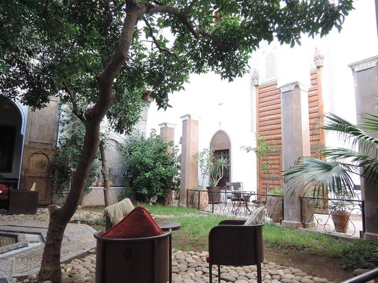 Riad Laaroussa Hotel and Spa: 癒される中庭でした