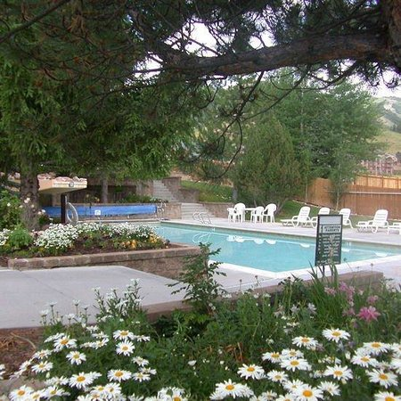 ResortQuest Red Pine Townhomes: Pool