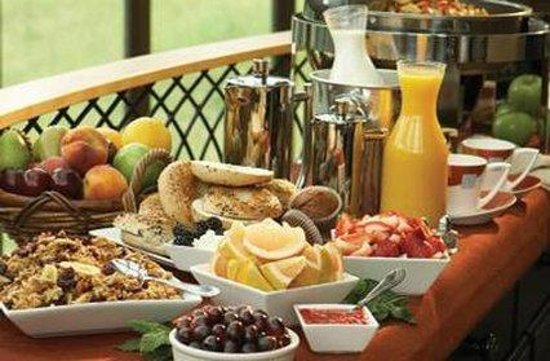 Sundara Inn and Spa: Breakfast Buffet