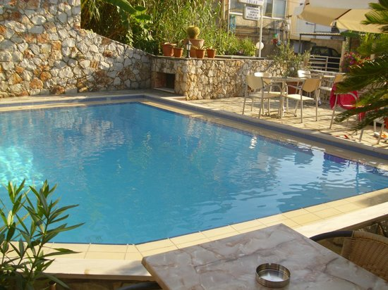 Hotel Lola: Pool