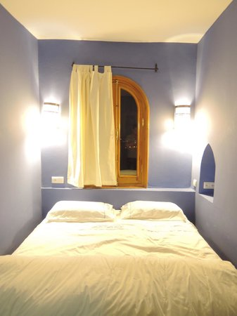 Dar Zambra : ブルーが印象的な部屋