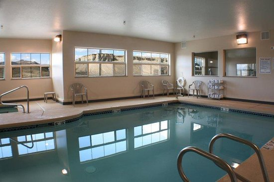 Allington Inn & Suites of Kremmling: Only Pool in Town!