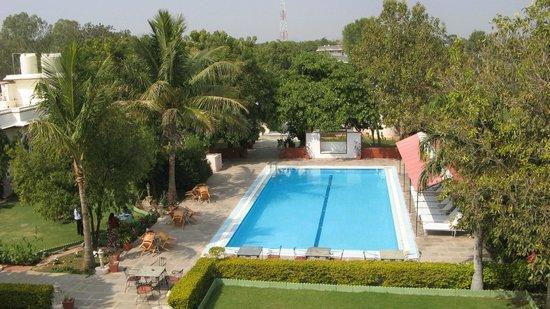 Ranakpur Hill Resort: poolbereich