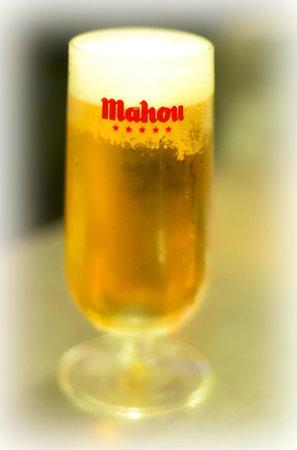 El Pato Rojo: Cerveza fría