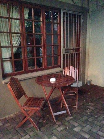 Afri-Chic Guesthouse: vor dem Zimmer