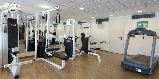Okeanos Bamarina Exclusive Suites Hotel : Gym