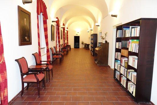 Hotel Adalbert: Korytarz