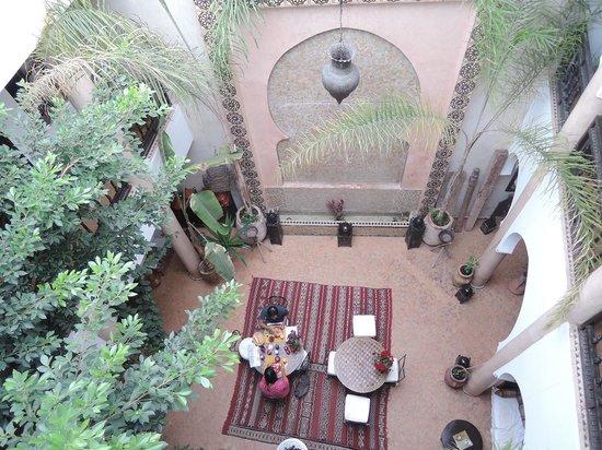 Riad Mur Akush : 上から見た中庭