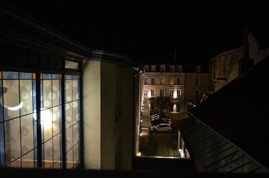 Hotel de Paris : vue sur la superbe cour intérieure
