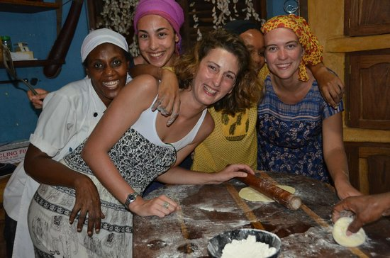Mamamapambo Boutique Hotel: Contributing to our dinner