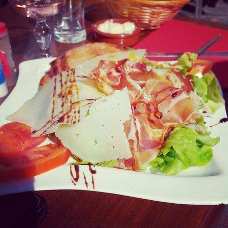 Chez Simone: Salade espagnole