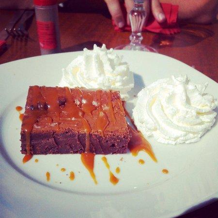 Chez Simone: Dessert du jour, brownie au chocolat