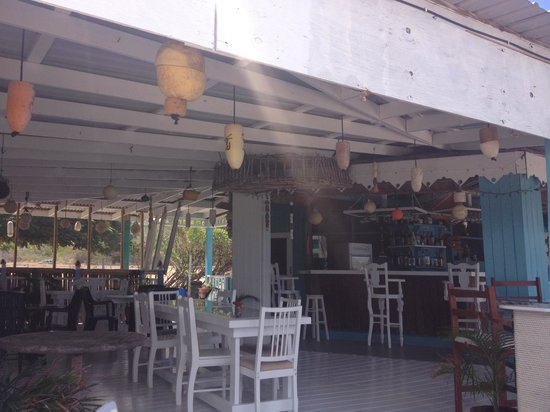Sunrise Beach Bar: Beautifully decorated inside