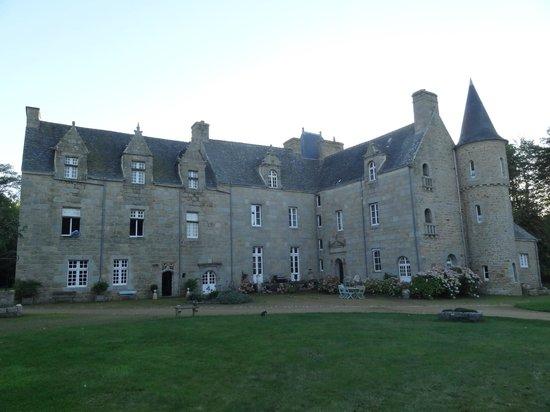 Chateau de Kergouanton: Château (vue avant)