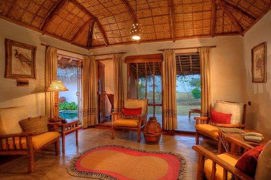 Orange County Resorts Kabini: Jacuzzi Hut - Living Room