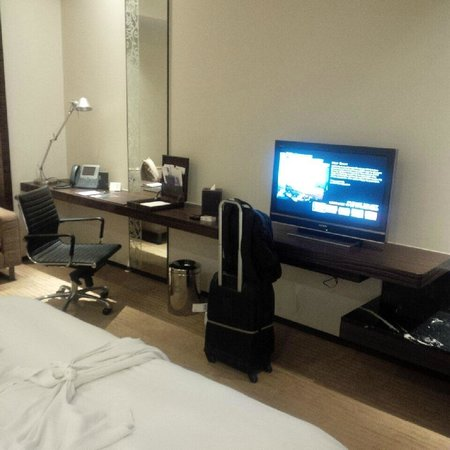 Le Meridien Bangkok: The TV