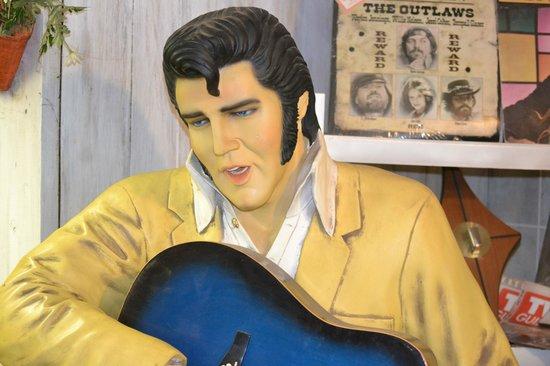 Boyett's Grove: Elvis Lives (Sorta)