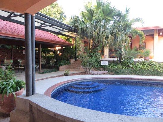 La Riviera: pool area